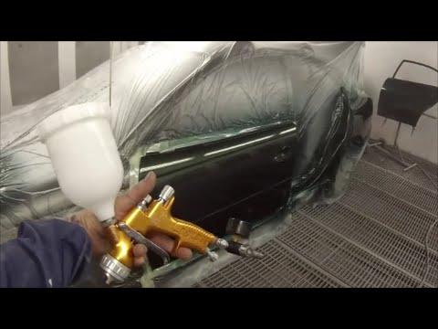 Capricorn Green VT Commodore Spray Painting