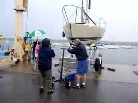 J24 CYC Boat Hoist Video#3