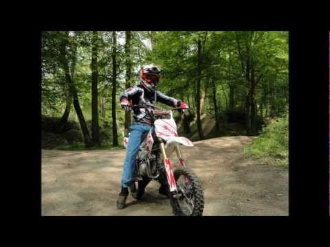 dirt bike 125cc moto cross id e cadeau pour ado youtube. Black Bedroom Furniture Sets. Home Design Ideas