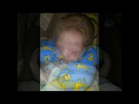 diy baby neck pillow strollers carseats youtube. Black Bedroom Furniture Sets. Home Design Ideas