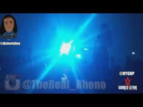 Crowd sings RHENO's hit single