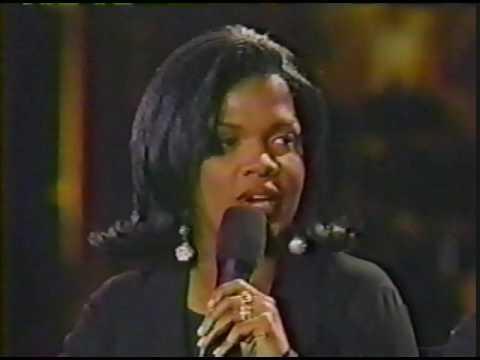 BeBe & CeCe Winans - The First Noel/Interview (1993)