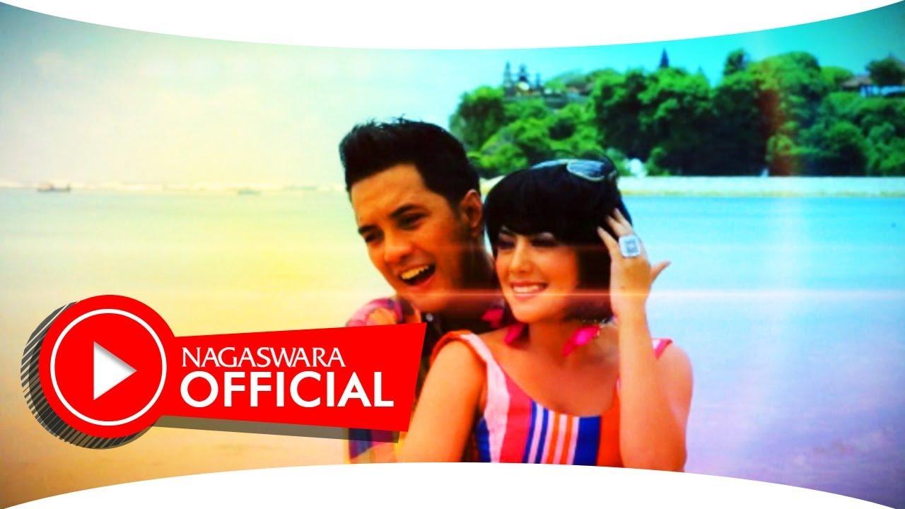 Download Fatur & Nadila - Satu Dari Hatiku (Official Music Video NAGASWARA) #music