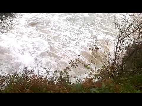 Así rompe este sábado el mar en la playa de Area de Viveiro