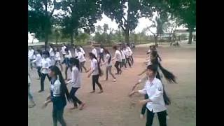 Tập dân vũ ngày 22/3/2012 học trò Trường THPT Thanh Oai B .mp4
