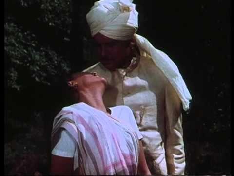 Uphaar - Mere Jootey - Jaya Bhaduri & Swarup Dutt - Bollywood Romantic Scenes
