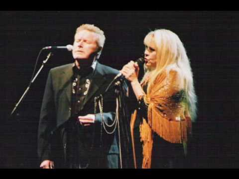 Don Henley and Stevie Nicks- Hotel California (Live in 2005)