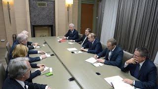 В гостях у Путина: от Зеехофера до Киссинджера