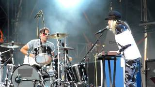 The Ting Tings - We walk (Live @ Sziget