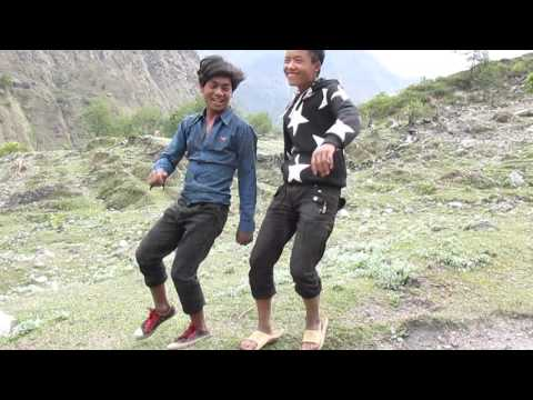 2015 Nepal - Teenage boys dancing