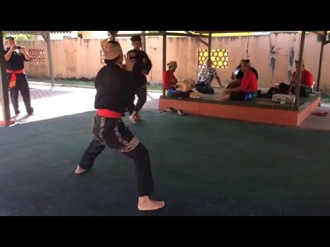 Silat avec kris. Art martial malais. Kota Bharu. Malaisie