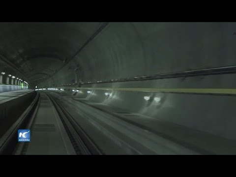 Orgullosa inauguración del túnel de Gotthard en Los Alpes suizos