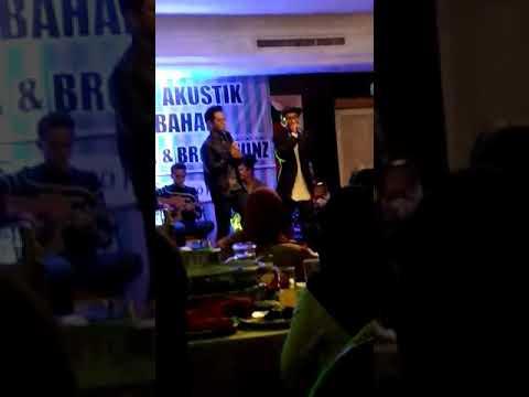 Konsert Akustik KHAI BAHAR - Asal Kau Bahagia (6/10/17 Sarawak)