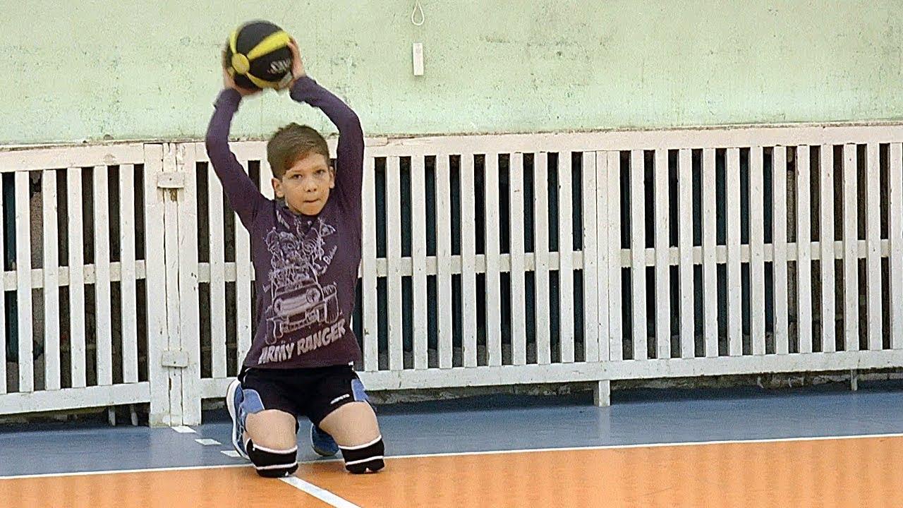 Волейбол обучение. Дети. Упражнения с набивными мячами-2