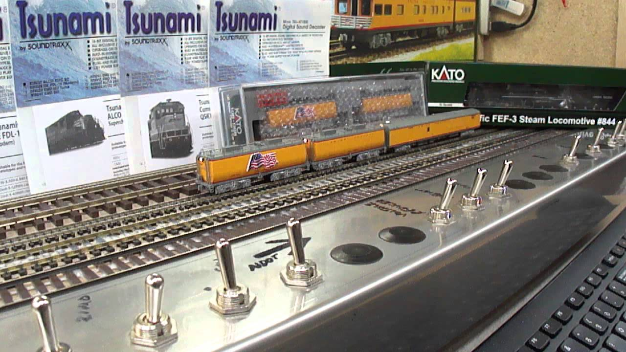 SBS4DCC - Kato UP FEF-3 Water Tender and Power Car Tsunami SoundCar