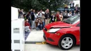 Low-Speed Crash Test  2010 Ford Focus