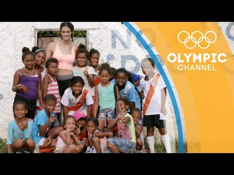 Spanish Olympian Thaïs Henríquez Visits Colombians Displaced by War | Camps to Champs