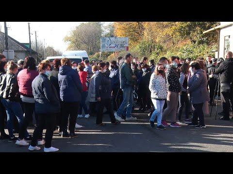Поствиборчі баталії: у Хусті перекрили дорогу через перерахунок голосів