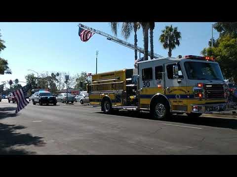 Ventura community tribute to fallen Officer Helus at Borderline , Thousand Oaks