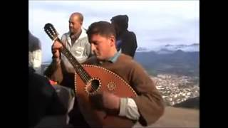 Gambar cover Amar Ezzahi reprise d'un amateur - Esmeralda SUPER Interpretation - اعمر الزاهي - Algerian Music