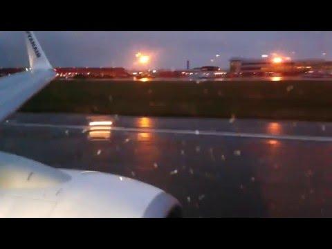 видео: Взлет самолета, звук двигателей