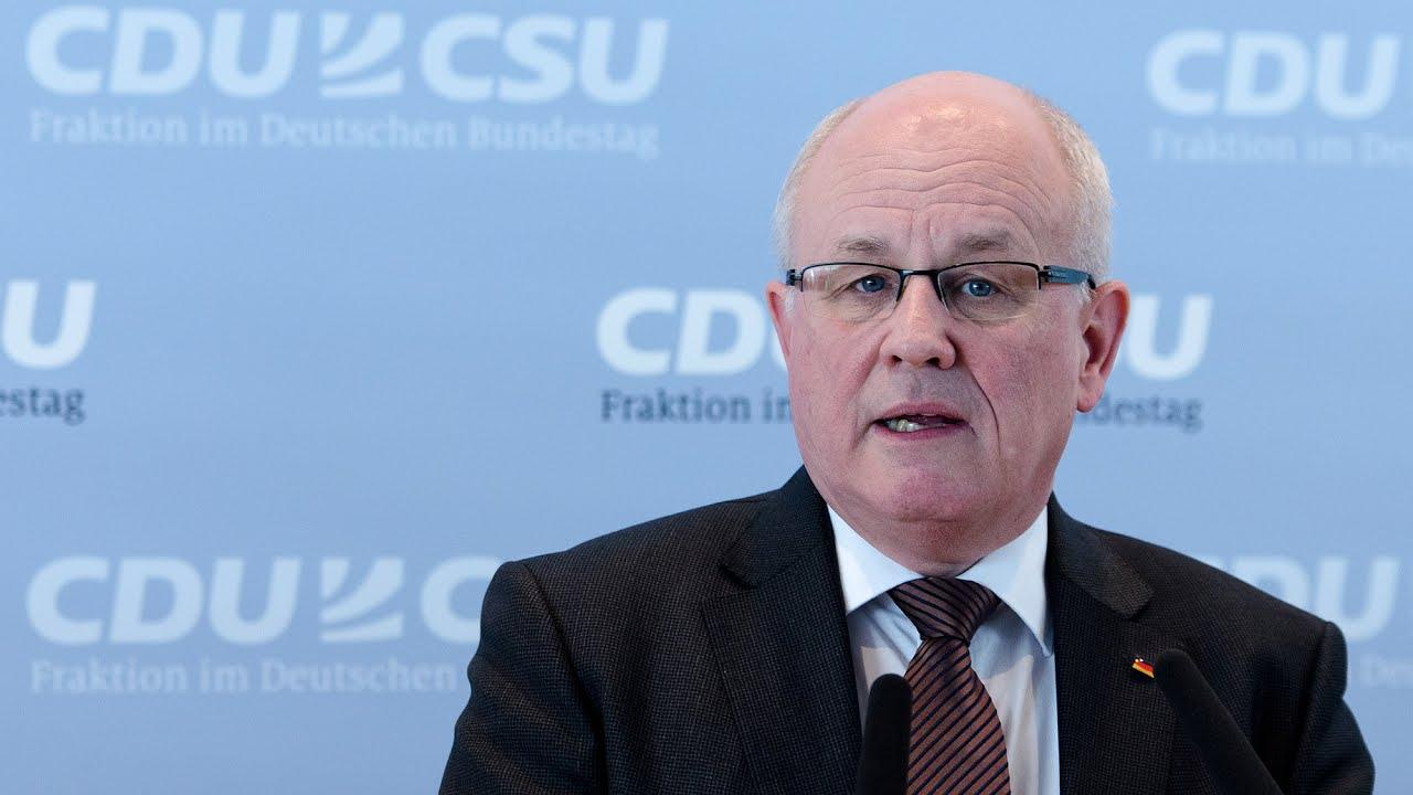 Volker Kauder fordert staatliche Überwachung von Moscheen