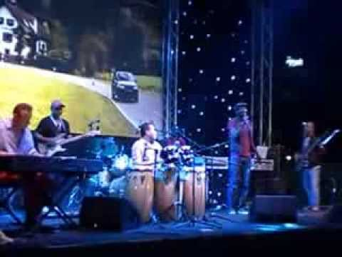 DUBAI JAZZ FESTIVAL2014 This Masquerade cover by Fabs Band & Max Garcia