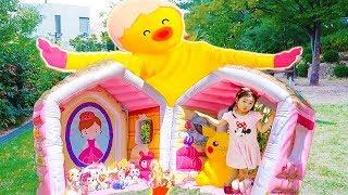 Boram construisent des maisonnettes pour poupée just dance