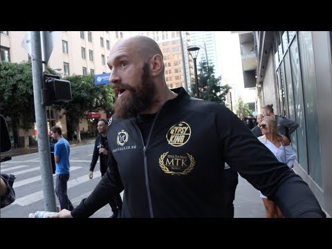 'DO YOU KNOW WHO DEONTAY WILDER IS?' - TYSON FURY TAKES TO STREETS OF L.A AND ASKS RANDOM PEOPLE!