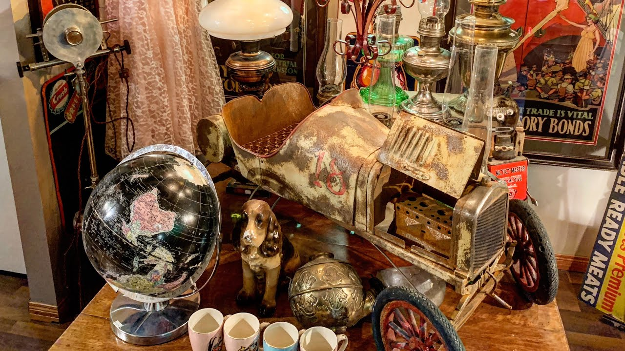 How To Make Money Buying And Selling Antiques and Collectibles ...