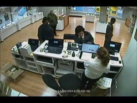 iPhone theft at the Solon Sprint Store November 1, 2013