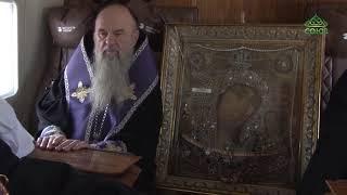 В Санкт-Петербурге совершили «воздушный крестный ход» с чудотворной иконой Казанской Божией Матери.