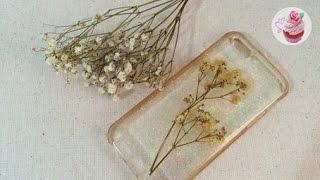 Floral embedded ℜesin phone case