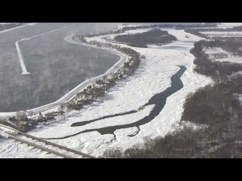 7-mile ice jam on Kankakee River threatens flooding