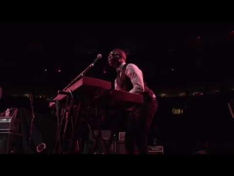 "[BALLISTIC KEYBOARD SOLO] Fantastic Negrito Live Performance Clip of ""In The Pines"" at MSG"