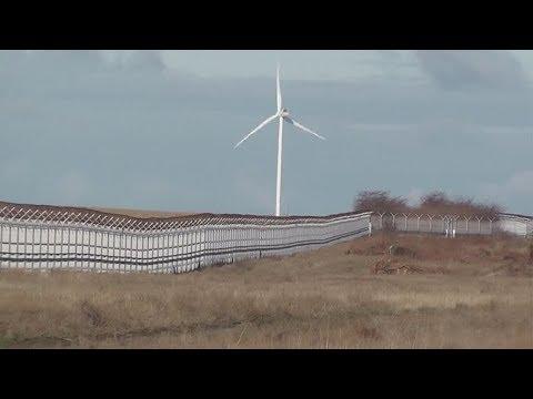 Кому нужно двухметровое заграждение на границе Крыма и Украины?