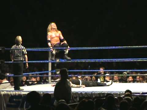 WWE Jeff Hardy and Edge match at Greensboro Coliseum Dec 27 2008