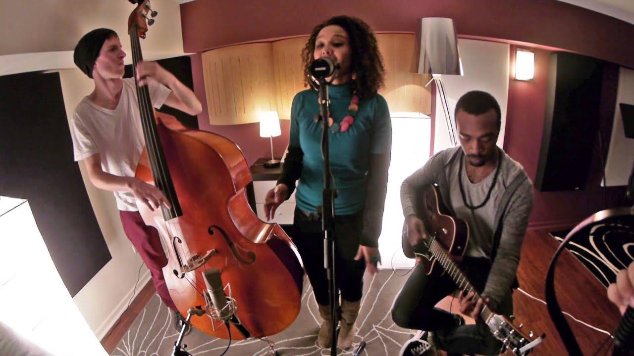 "Cynthia Abraham Trio  ""Le Voyage"""