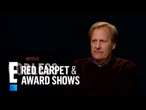 """Jeff Daniels Talks Challenging Villain Role in """"Godless"""" 