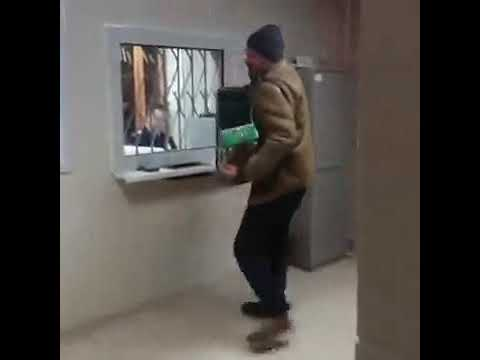 Your Morning Show - A drunk guy in Prison is playing the Accordion