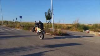 honda cb650f  Wheelie  Stand Up