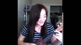 Bé Xuân Mai tự sướng với đàn Guitar Hawaii Kênh Clip Hót vui cười hài hước mới hay nhất tết xuân 201