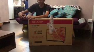 Sharp 32 inch LC-32LE185M Unboxing