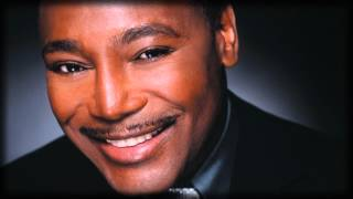 Watch George Benson Kisses In The Moonlight video