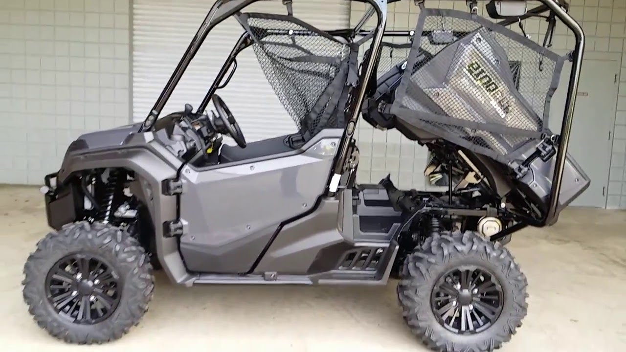 2016 honda pioneer 1000 5 deluxe silver walk around side by side review at hondaprokevin. Black Bedroom Furniture Sets. Home Design Ideas