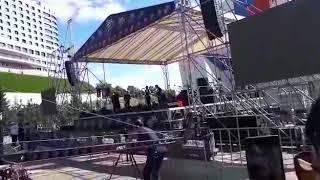 """День 1000 музыкантов в Уфе. Синхронное исполнение песни """"Перемен"""" группы """"Кино""""."""