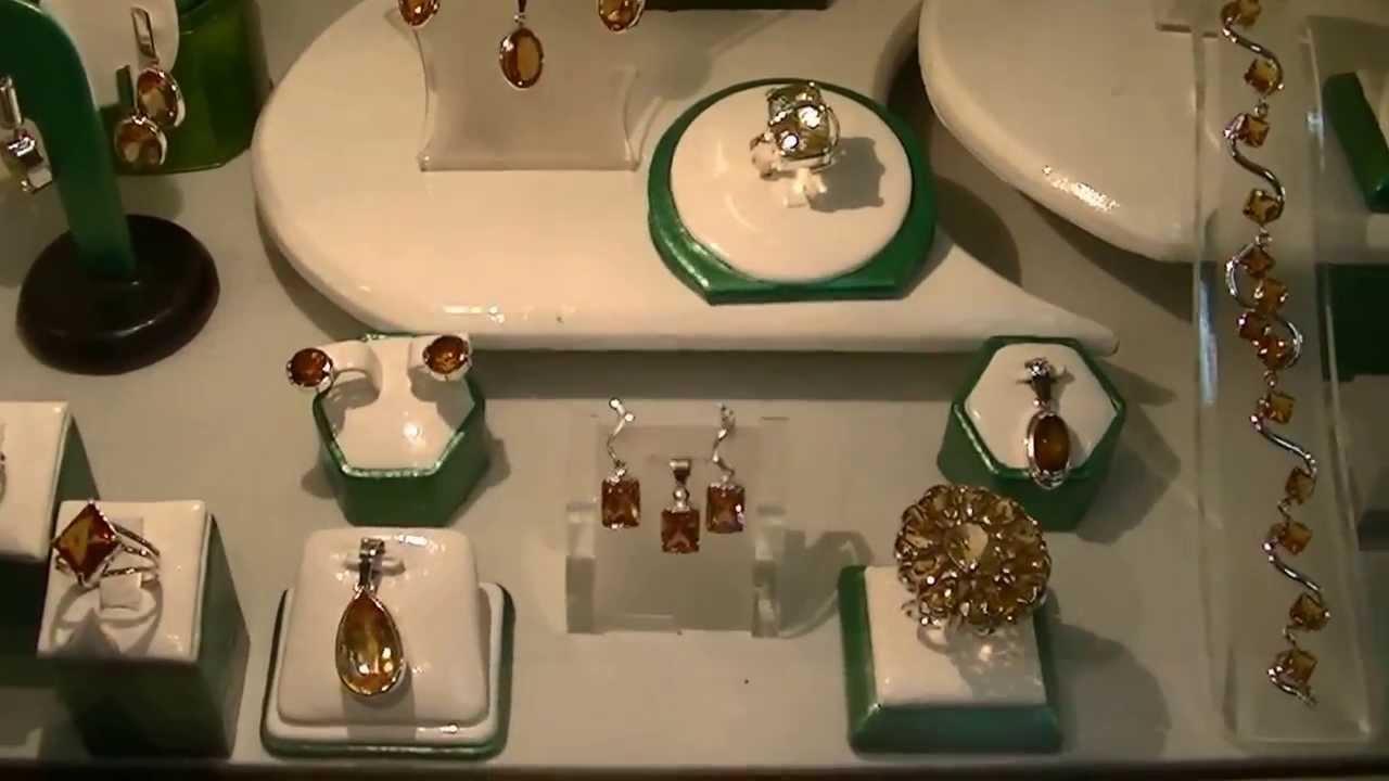 cfad1c8edb7a JOYAS y PIEDRAS PRECIOSAS   ORO blanco y 18 k   PLATA   brillantes y rubies    esmeraldas y topacios - YouTube
