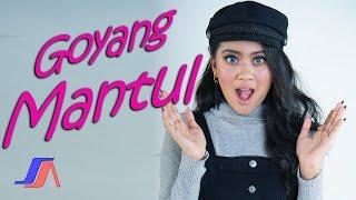 Putri Sagita - Goyang Mantul ( Official Music Video )