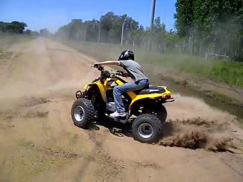 Trompos con cuatriciclo CAN-AM DS 250 - YouTube