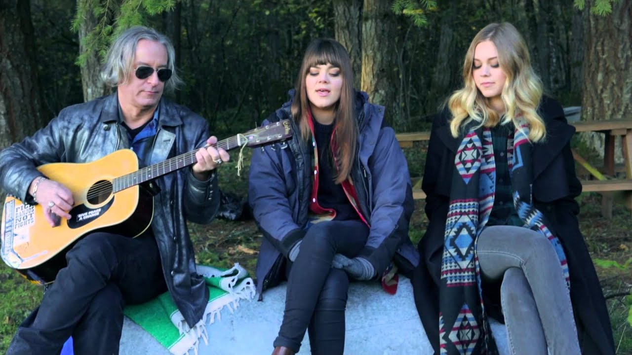 Watch First Aid Kit Perform 'Walk Unafraid' with R E M 's